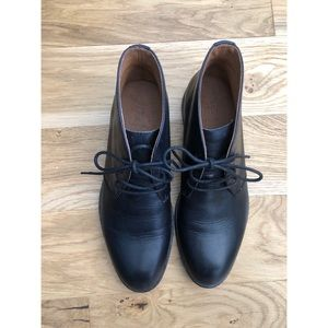 Frye Leather Chukka Boots - super soft leather